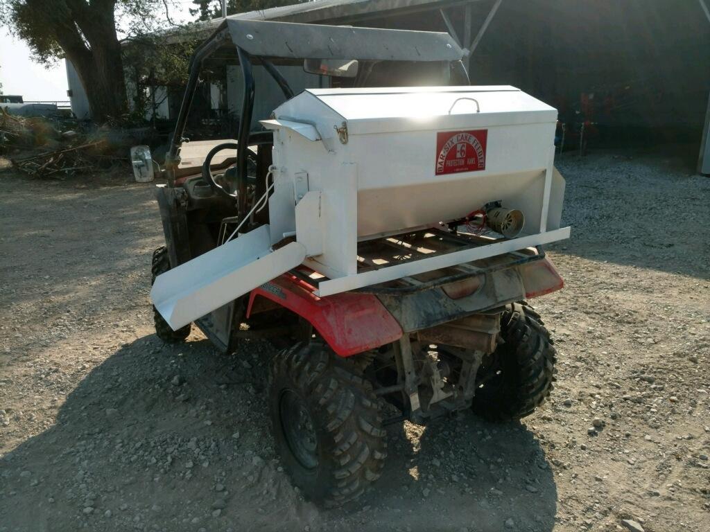electric motor feed dispenser, cattle