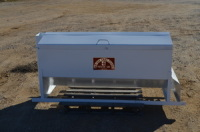 Cattle feeder, manual electric motor, feed truck