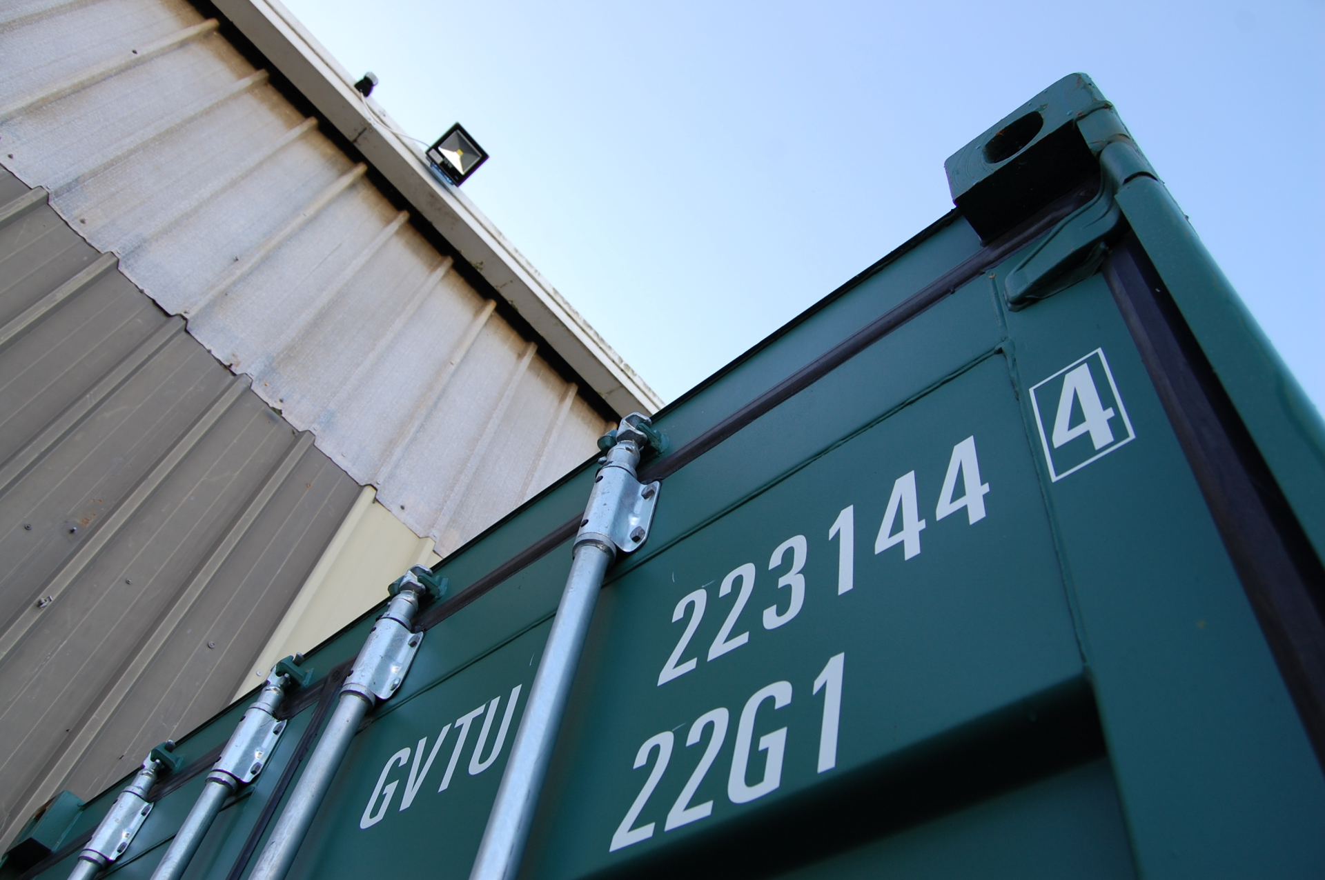 See the sturdiness and quality of our containers.