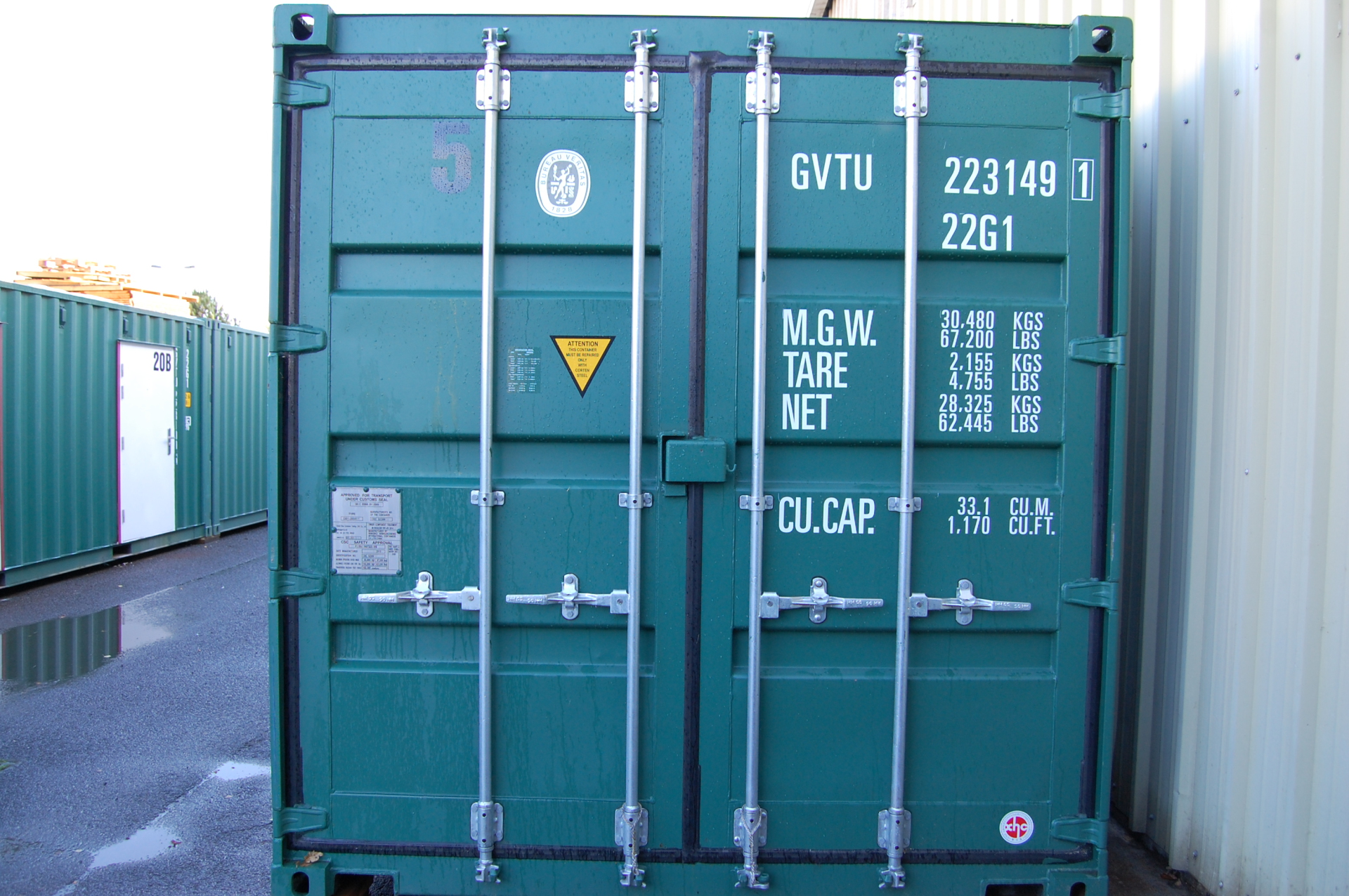 Unit container doors