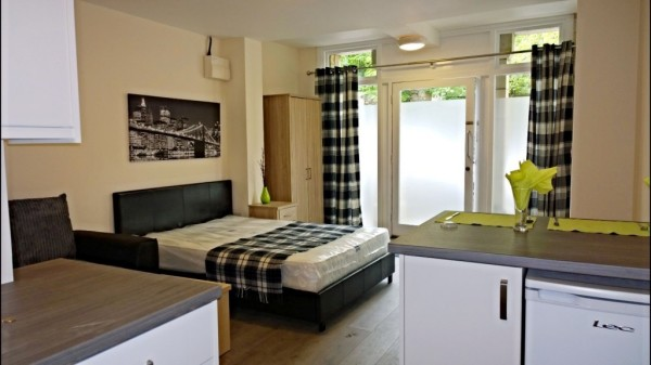 Flat 3 Parliament Court - 1 bedroom studio