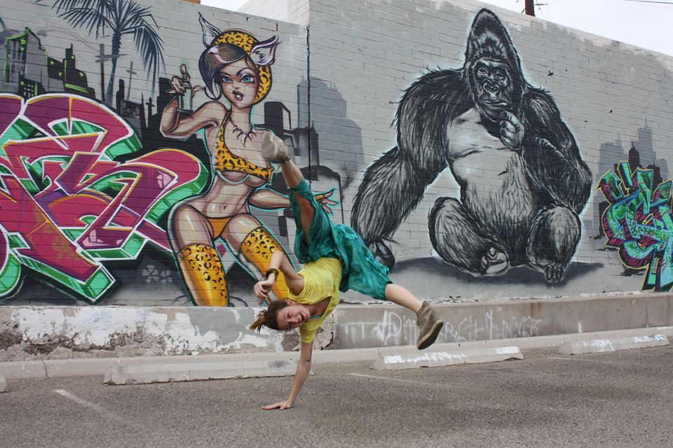 Yoga With Bianca - Breakdance and Streetart
