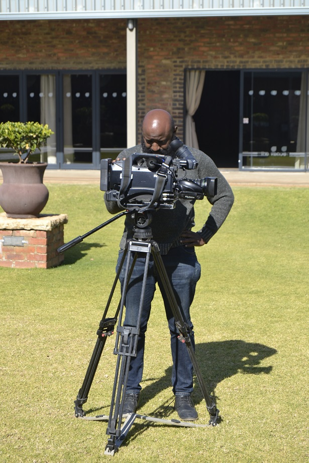 Zolani from SABC 2 doing his thing !