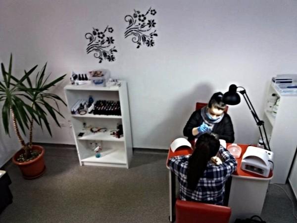 "<img src=""salon-manichiura-signature-center-cluj.png"" alt=""Salon manichiura  Signature Center Cluj"">"