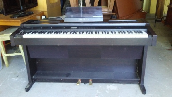 Curzweil Electric Organ