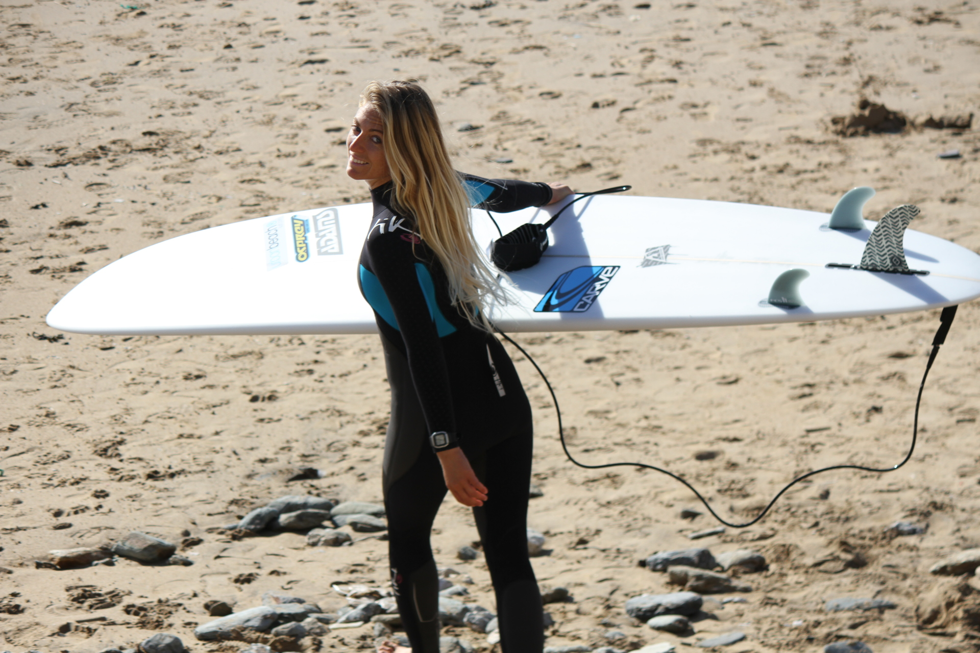 How to surf in the UK, Tehillah McGuinness, Pro surfer, sports model, the worlds best surf spots, womens health magazine, health, fitness, workouts, travel, surfing, surfer girl, south African born pro surfer, the face of the new MINI Countryman