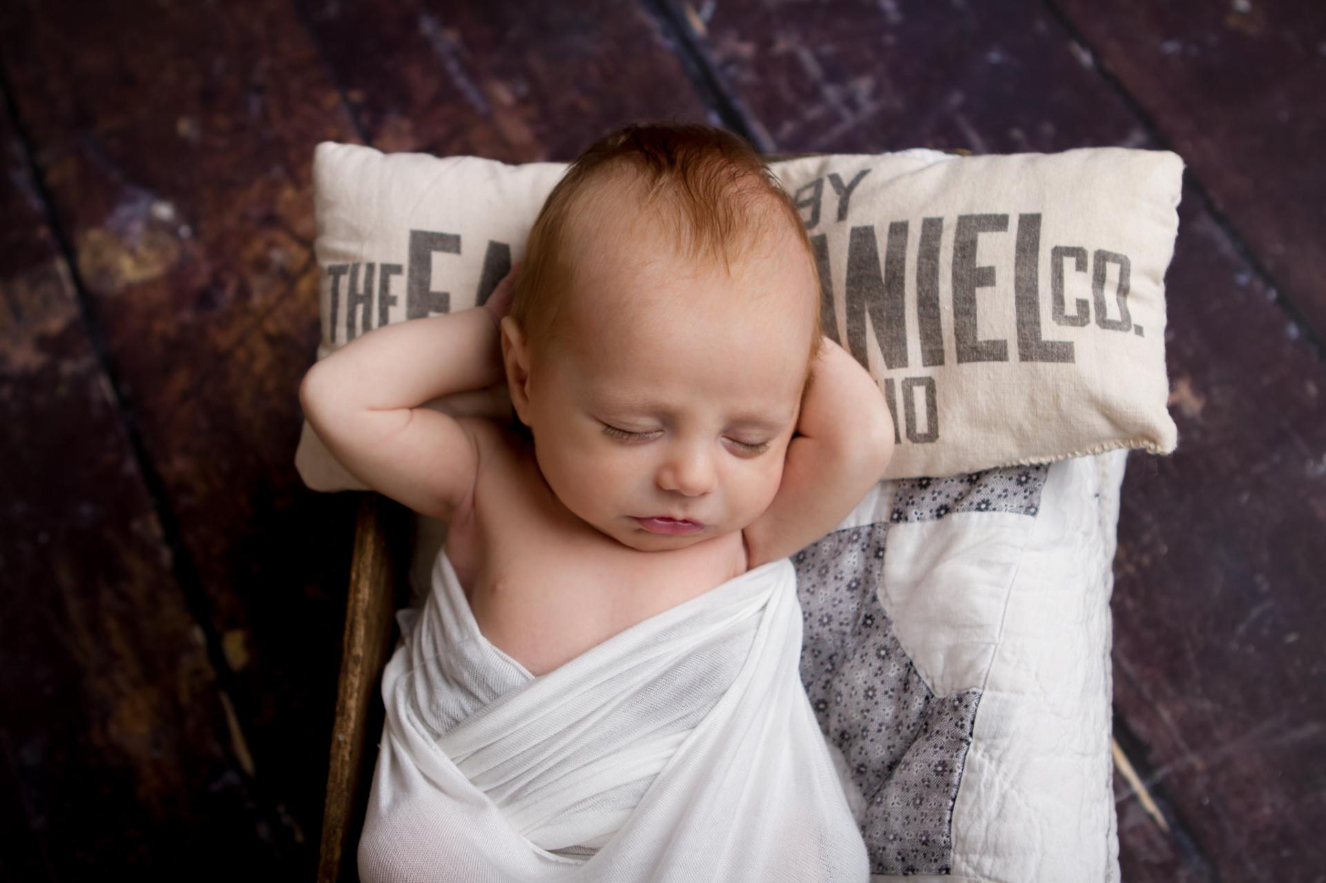 Newborn Photographer Medina Ohio