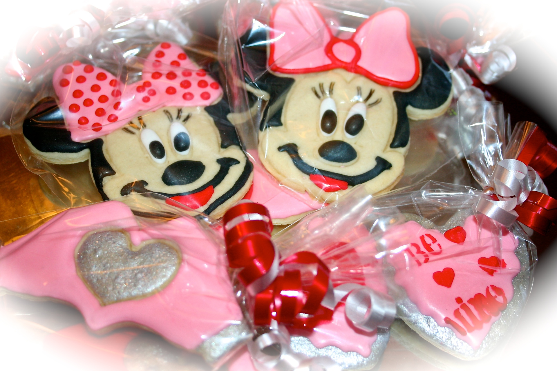 Minnie Mouse Love Theme