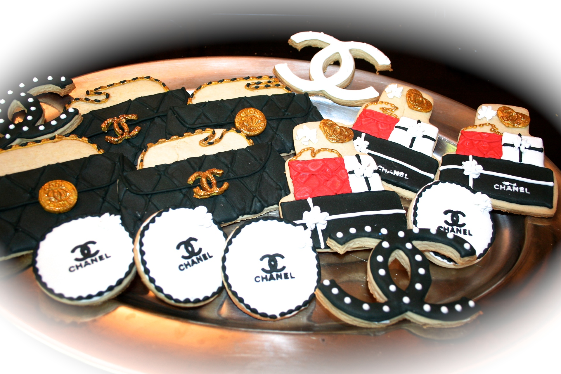 Chanel theme cookies