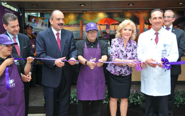 2014. Inauguración de las sucursales de Tres21 Arte Café en hospitales del ISSSTE