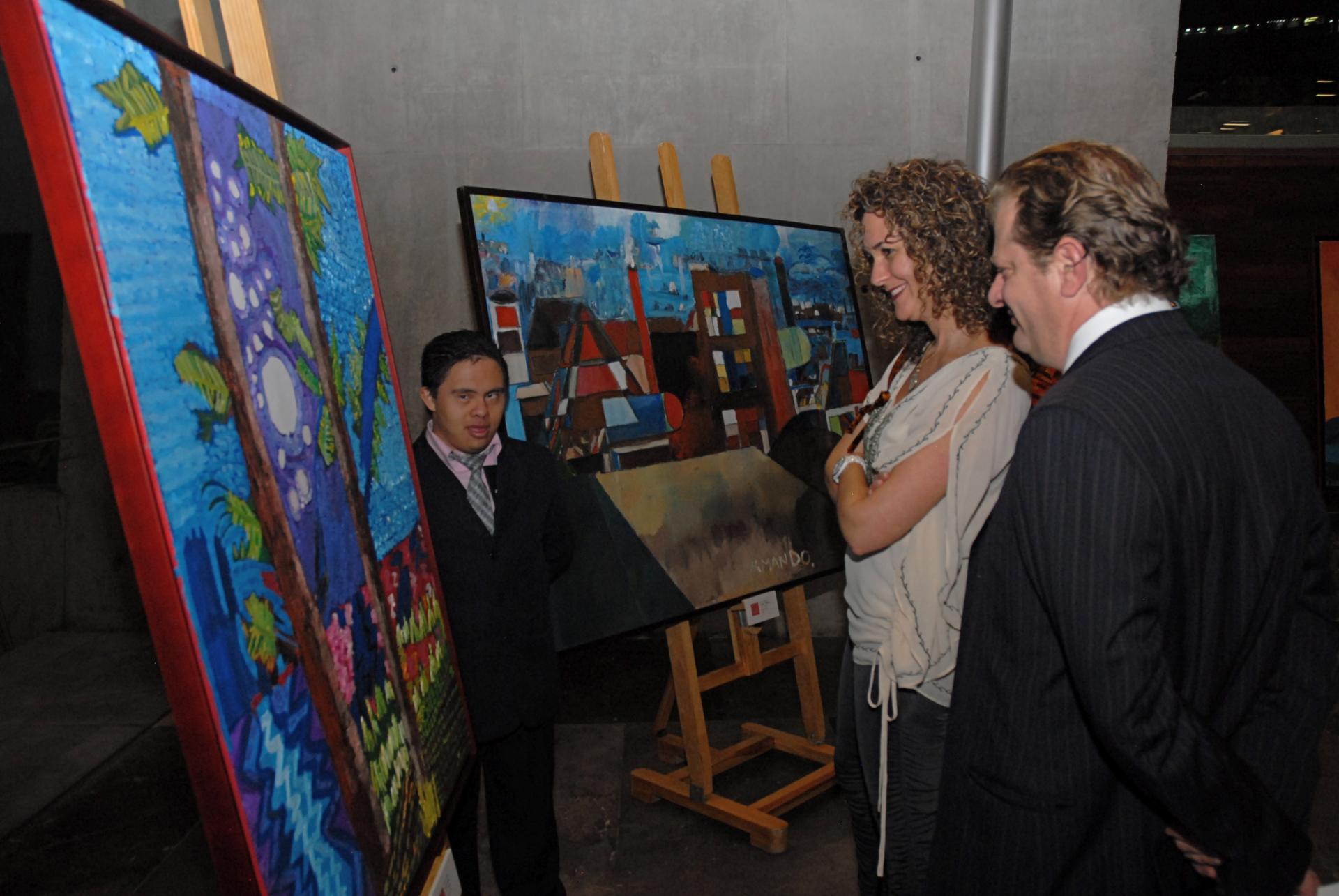 Artista David Chávez e invitados