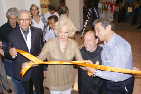 Mtra. Sylvia Escamilla e invitados especiales