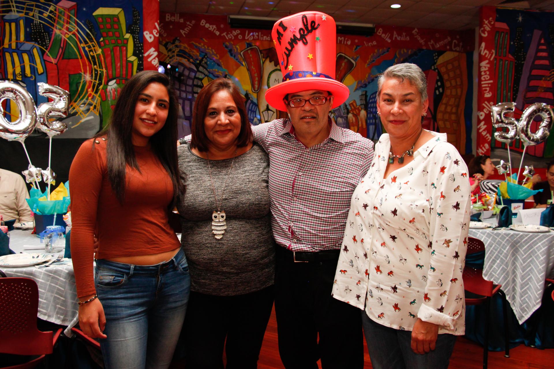 ¡Cumpleaños 50 de Rubén Larios!