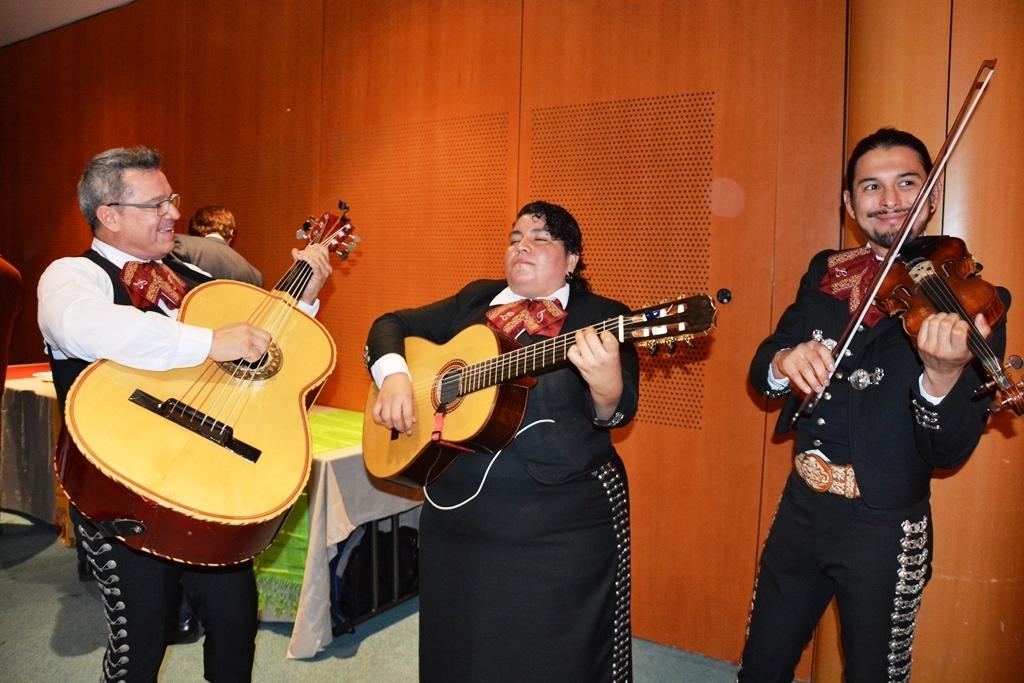 Música de mariachi amenizó la inauguración