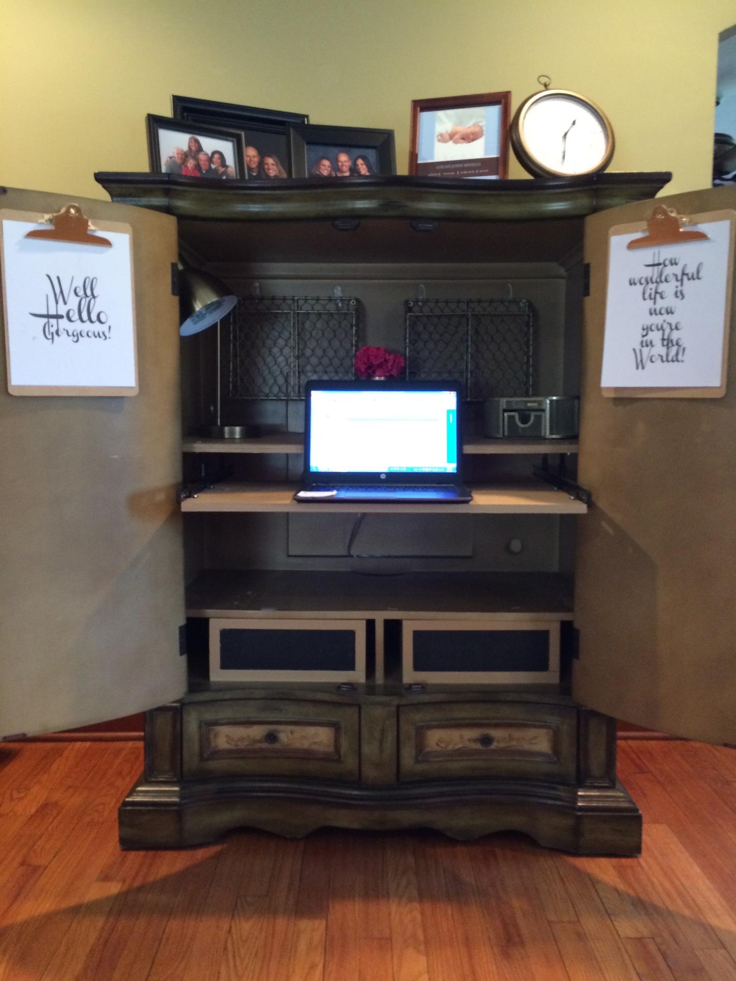 New job.. new desk!