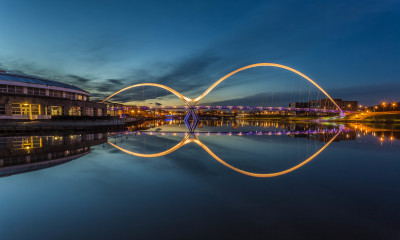 http://johncarsonsphotography.co.uk/infinity-bridge