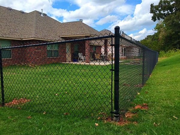Residential 4' Black Vinyl Chain Link Fence Security Play yard Oklahoma Fence Gate Company