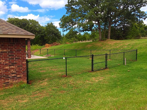 Residential 4' Black Vinyl Chain Link Fence Oklahoma Fence Gate Company