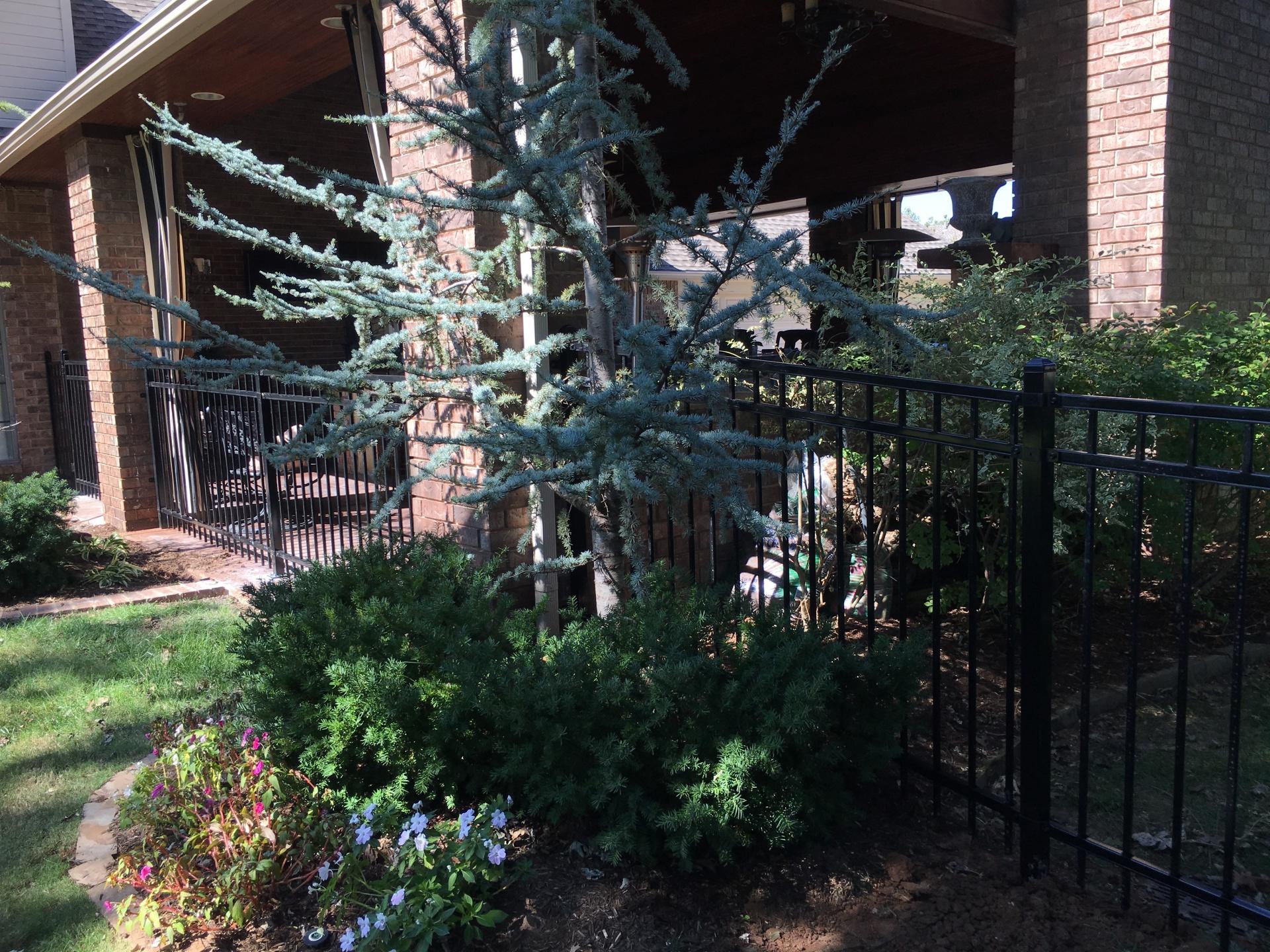 Oklahoma fence company, Edmond Fence Company, Iron Fence, Secure Fence, Security, Elegant Fence, Safe Fence, Fencing