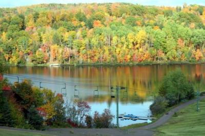 Beautiful fall view of Weber Lake.