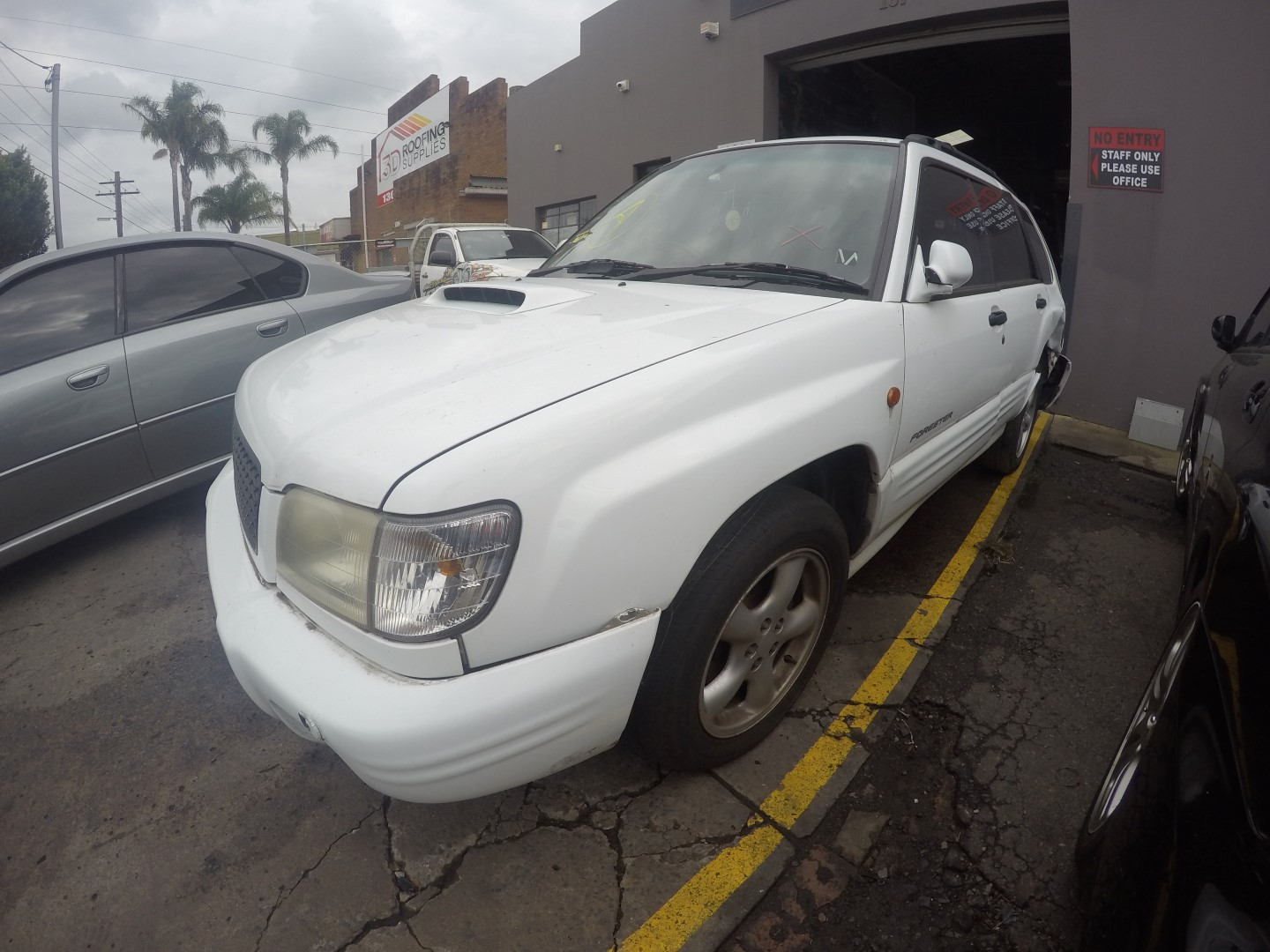 Subaru Wrecking Forester GT Turbo Engine EJ20 White Spare Parts