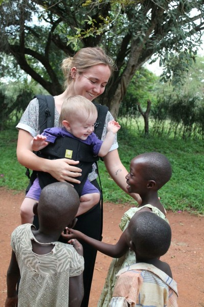 Willa & Emily Meeting New Friends - 2015