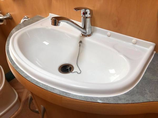 DAMAGED SINK NOW REPAIRED AND FITTED