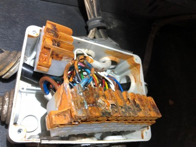 CARAVAN ELECTRICS - DISCONNECTING YOUR TOW CABLE