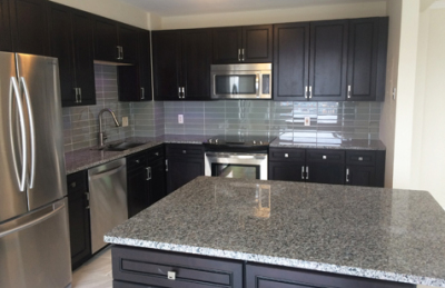 Here's a beautiful yet highly functional custom kitchen. Don't you want one of these?