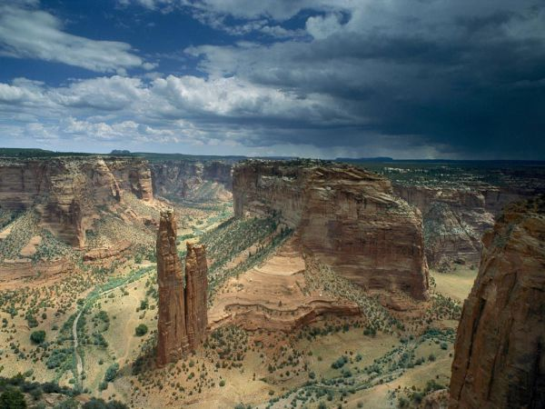 canyon de chelly hiking and photography