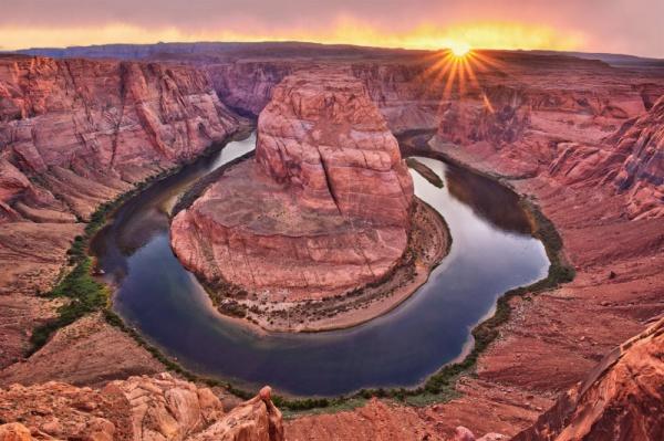 horseshoe bend and antelope canyon hiking photography