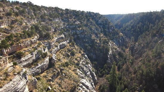 walnut canyon flagstaff hiking