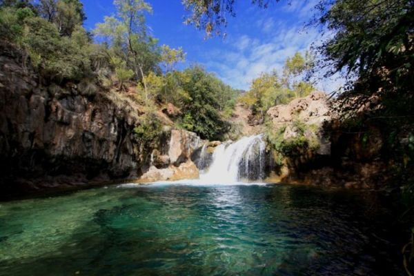 fossil springs hiking
