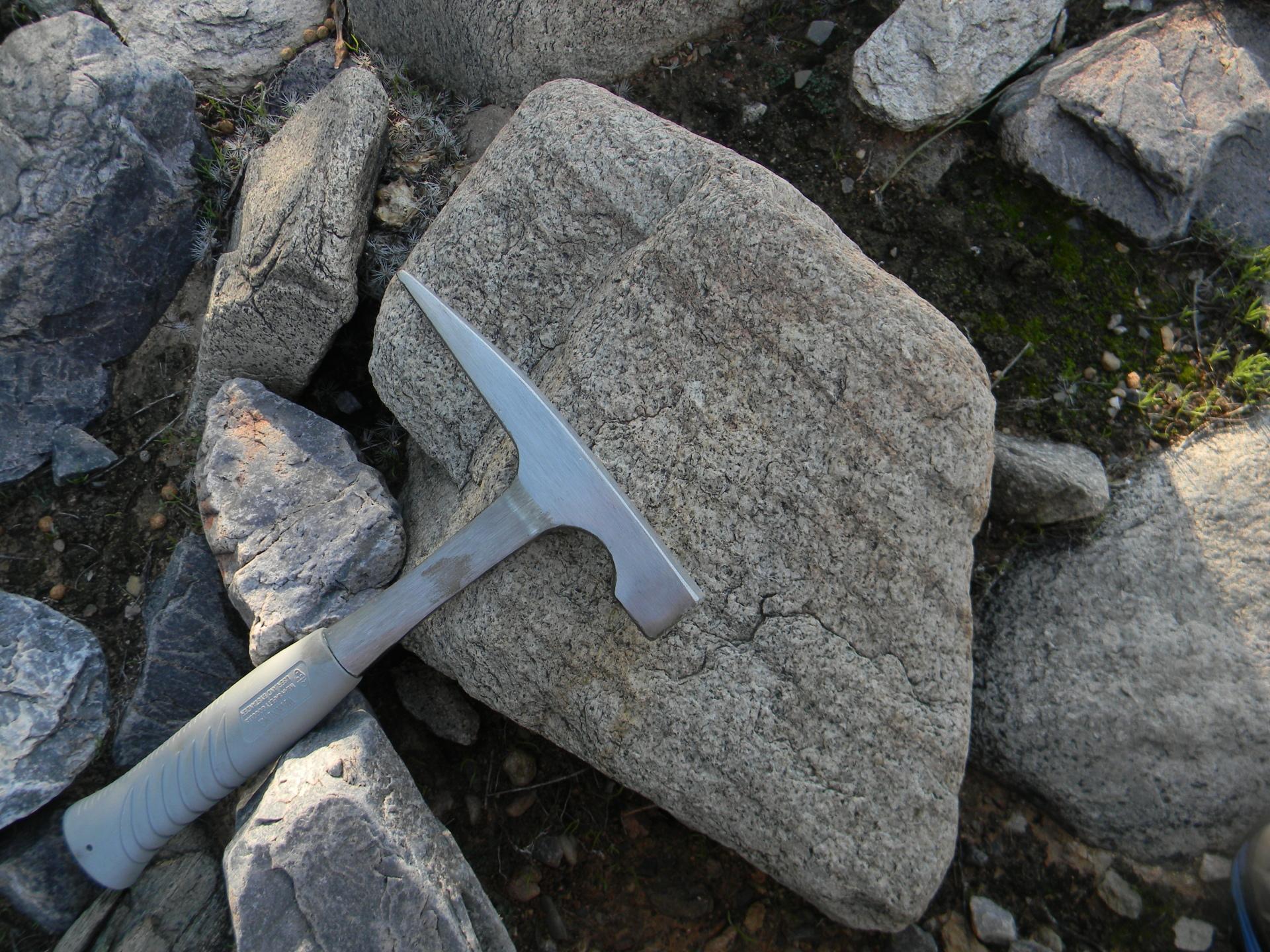 arizona mineral and rock hounding hiking