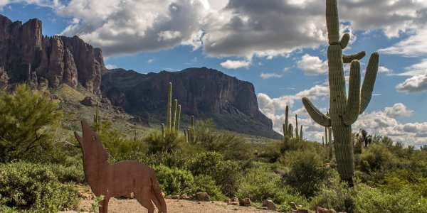 superstition mountains hiking and backpacking