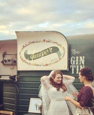 Vintage wedding gin tin and bar