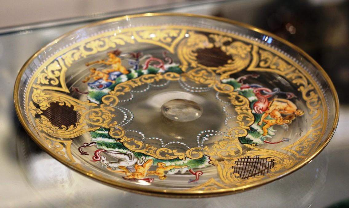 Enameled Dishes