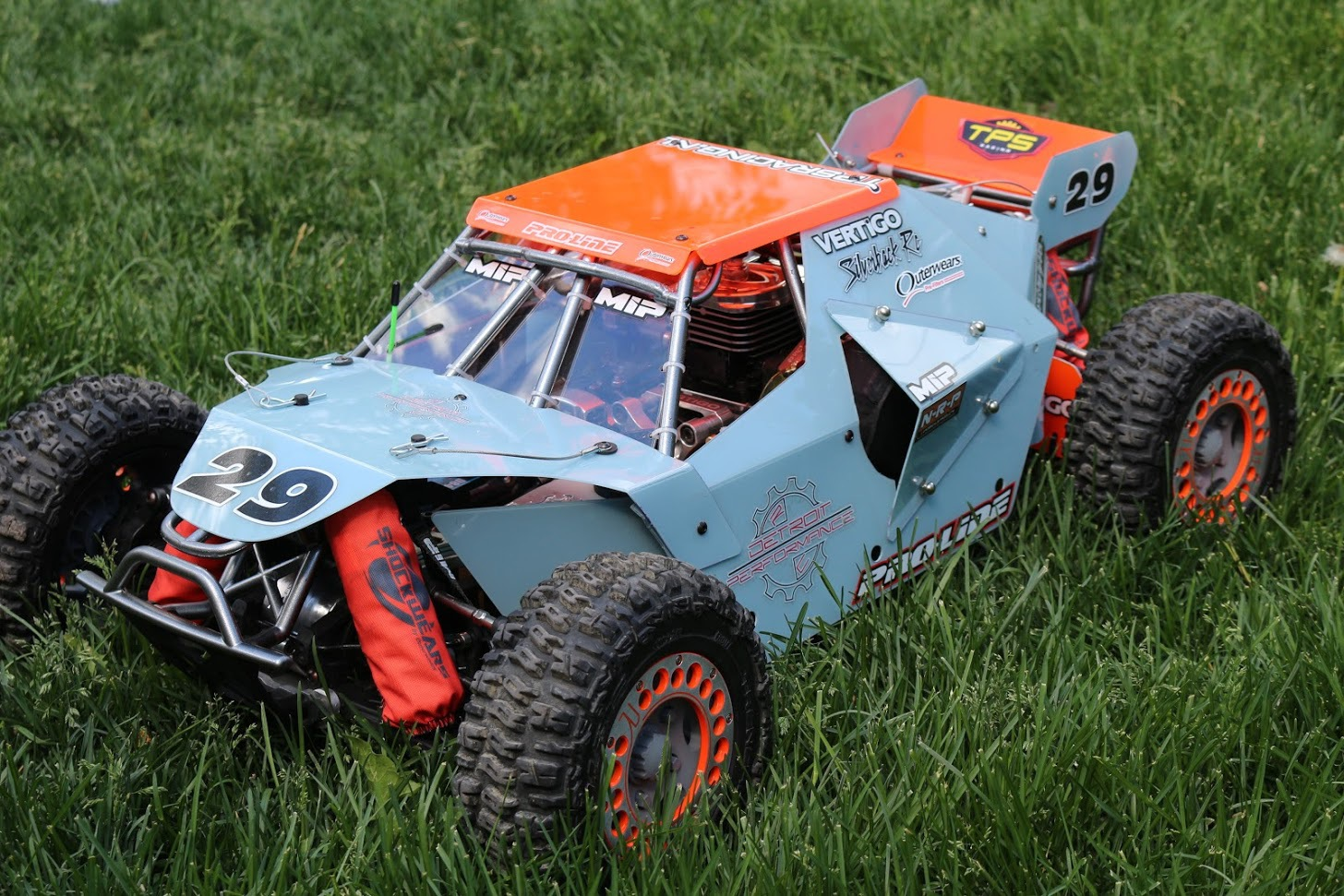 Detroit Performance RC racer Alan Campbell wins at Big Dirty with Red Arrow USA 34 Engine