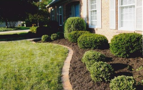 Mulching services Evansville and Newburgh Indiana