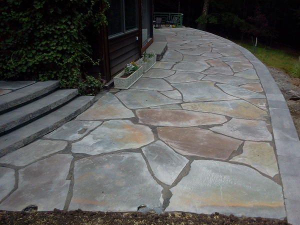 Irregular brokenflag stone walkway