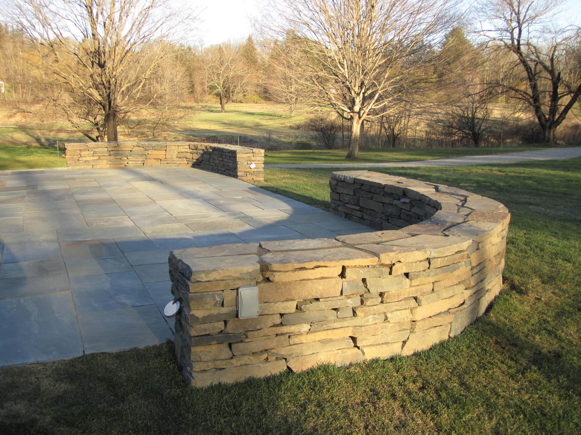 NY wallstone retaining wall