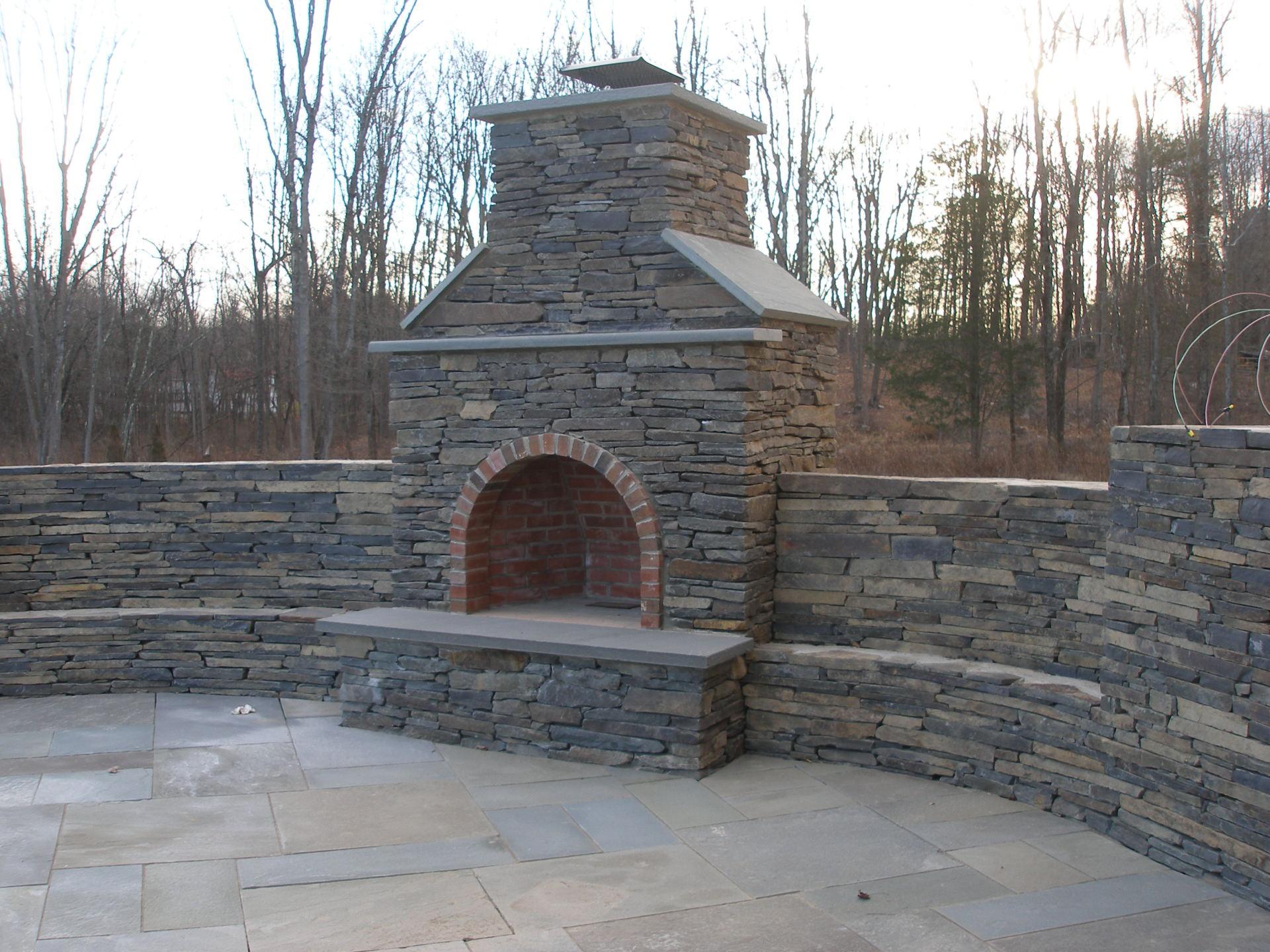 NY wallstone outdoor fireplace