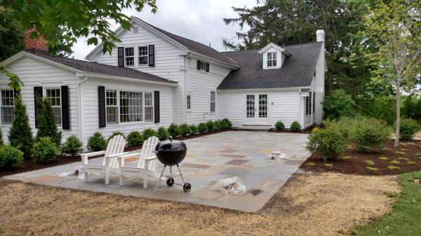 Natural cleft-cut bluestone patio