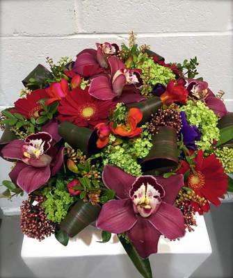 Premium Centerpiece in Ceramic Vase