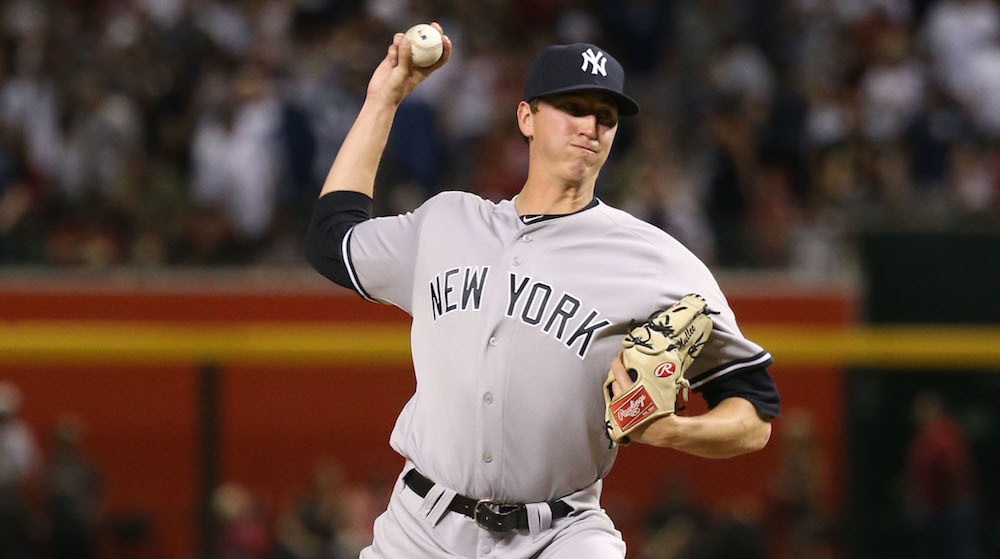 Cubs Claim Yankees Pitcher Mullee