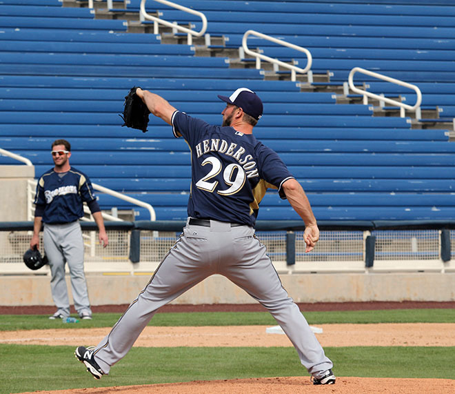 Cubs Add Former Brewers Closer Henderson 1-20-2017