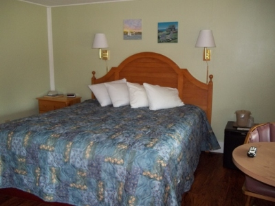 Cottage Room with King Bed