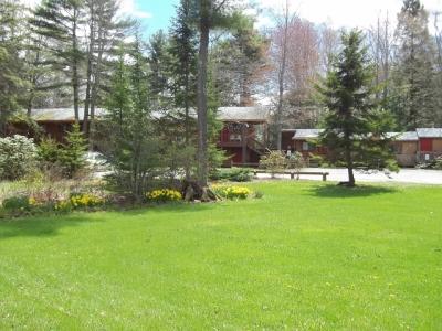 Motel Lawn