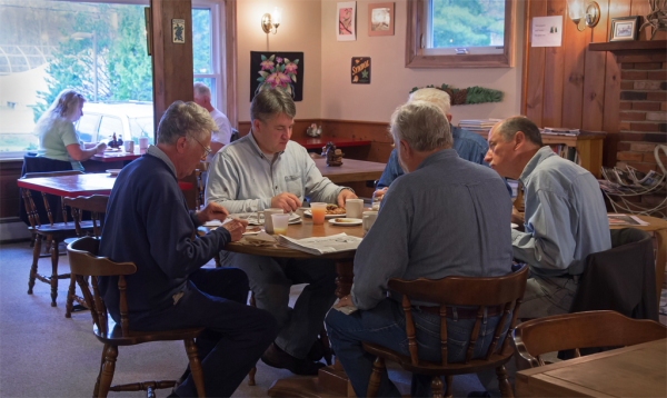 Dining room serving hot breakfast at Wiscasset Woods Maine