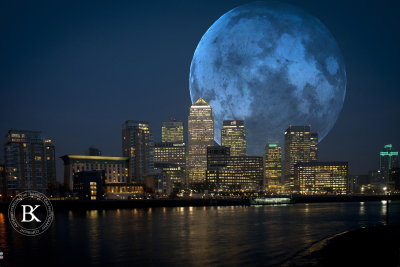 Blue moon over London